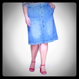 NWT AVA & VIV Button Front Denim Skirt